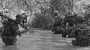 Les combats dans la jungle luxuriante du Vietnam était un véritable enfer.